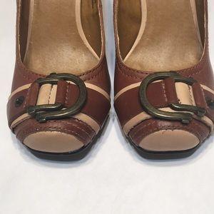 Buckle leather shoe NANA sz 6 two tone